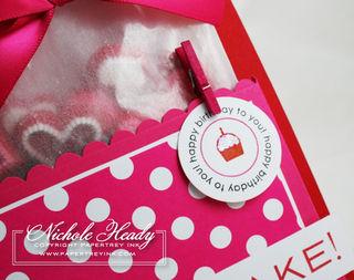 Cupcake tag closeup