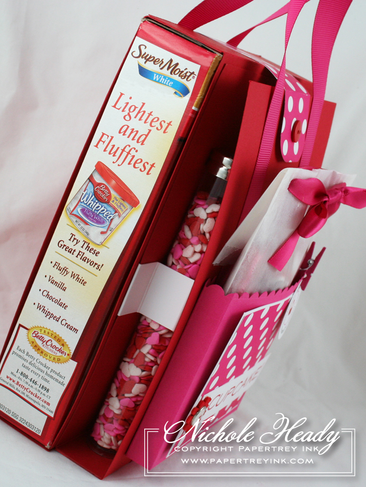 Cupcake tote side