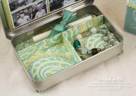 Jewelry box with scroll