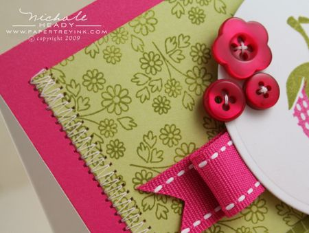 Daisy patterned paper