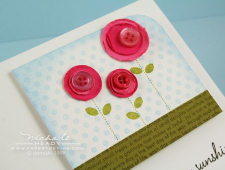 Button flower trio