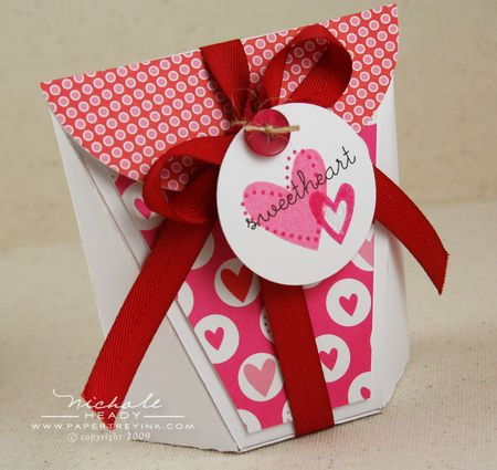Sweetheart favor