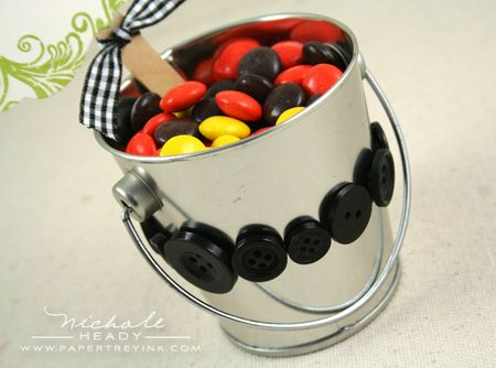 Buttons on bucket