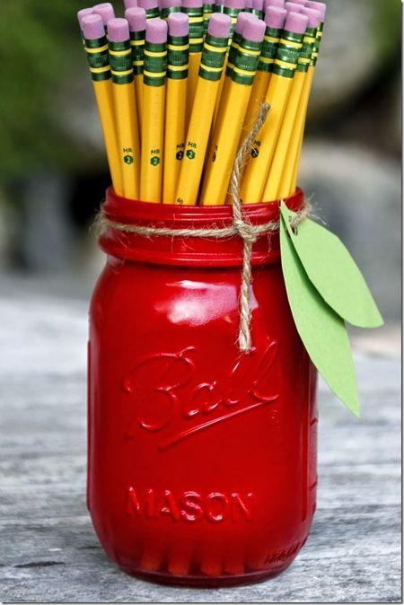 Apple-mason-jar-pencil-holder_thumb