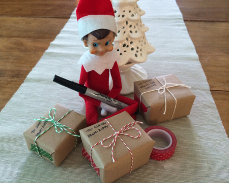 Elf_on_the_shelf_shipping_christmas_gifts