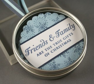 091207_family_friends_ornament