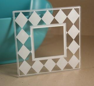 Clear_frame_harlequin