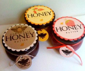 Honey_bees_verna