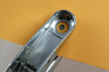 Small_hole_punch