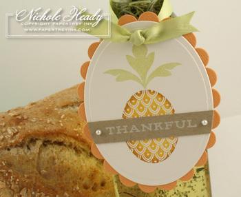 Pineapple_tag_closeup