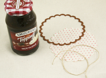 Hot_fudge_lid_supplies