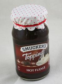 Hot_fudge_with_elastic